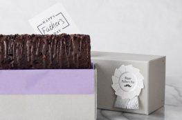 ラムレーズンたっぷりのチョコケーキ